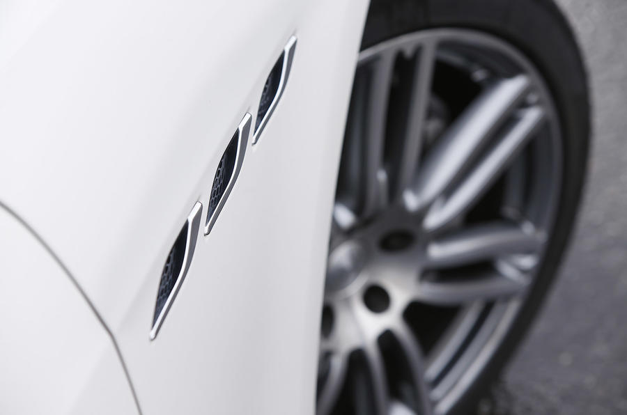 Maserati Ghibli Brembo brake discs