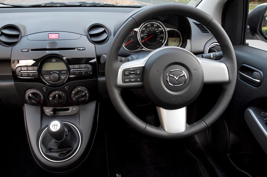 ... Mazda 2 ...