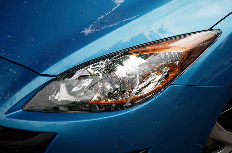 Mazda 3 xenon headlights