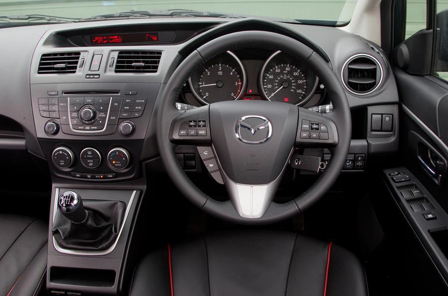Mazda 5 dashboard