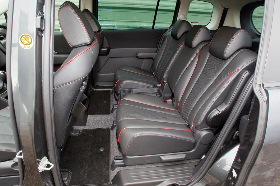 Mazda 5 middle row seats