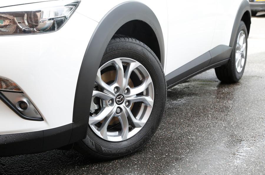 Mazda CX-3 SE-L foglights