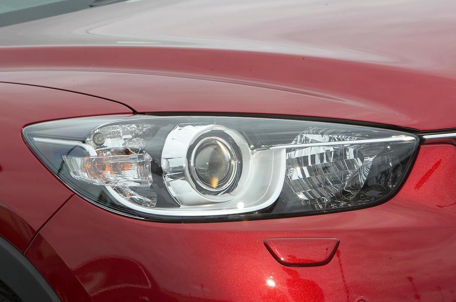 Mazda CX-5 adaptive bi-xenon headlights