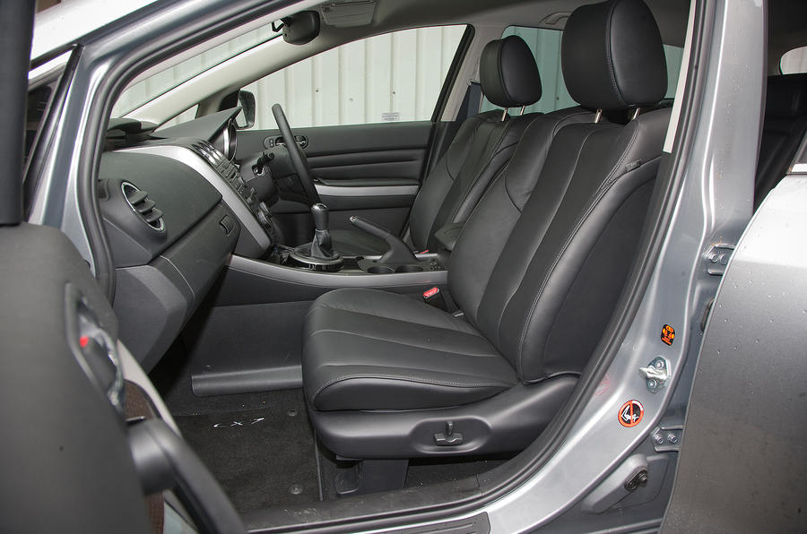 Mazda CX-7 front seats