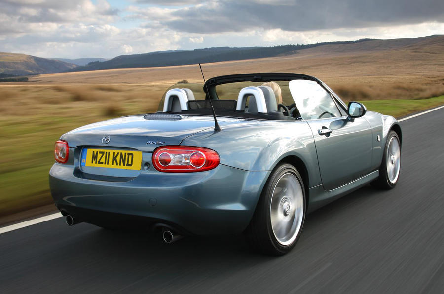 Mazda MX-5 stays rear-wheel drive