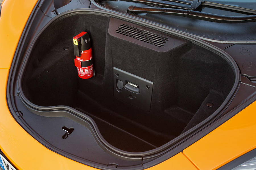 McLaren 570S boot space