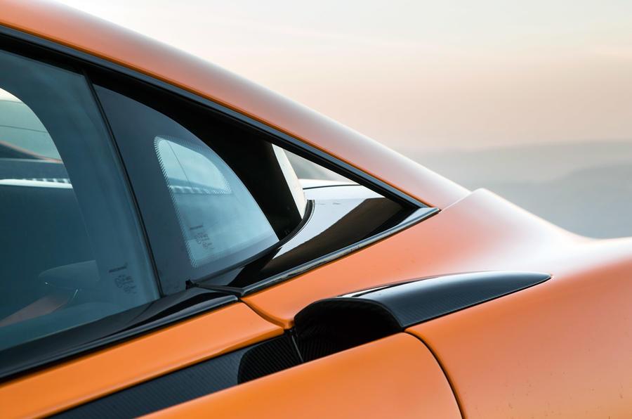 McLaren 570S rear quarterlight