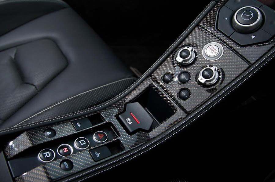 McLaren 12C Spider centre console