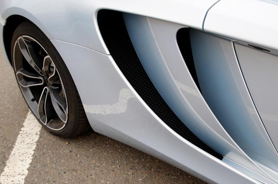McLaren 12C Spider side air vents
