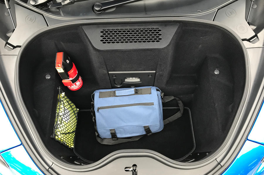 McLaren 570S Spider boot space