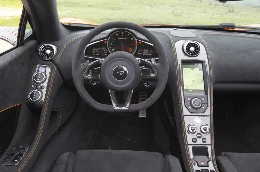 McLaren 650S Spider dashboard