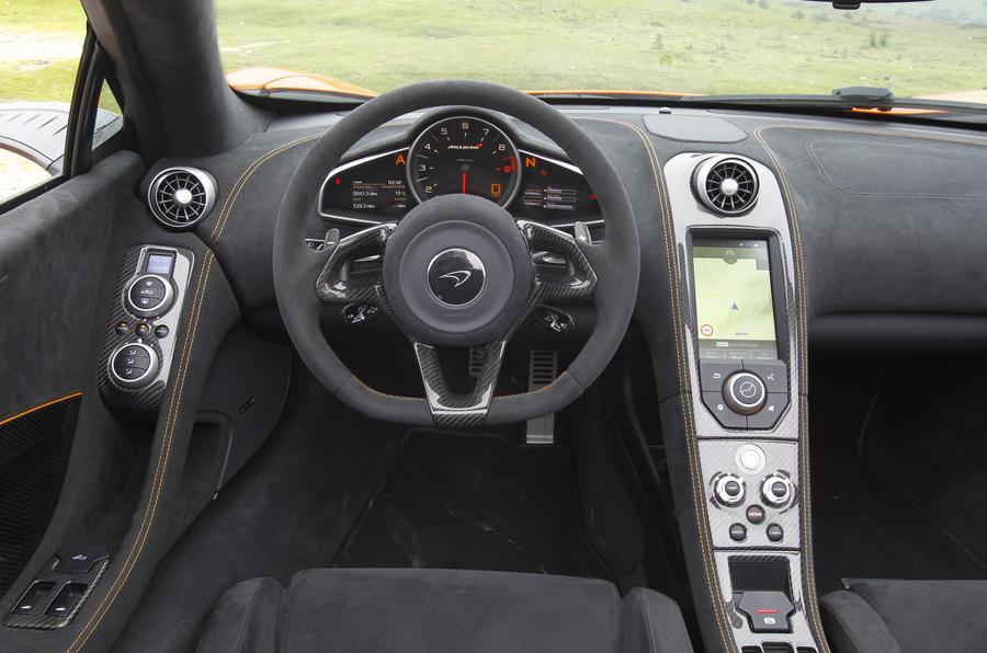 McLaren 650S Spider dashboard