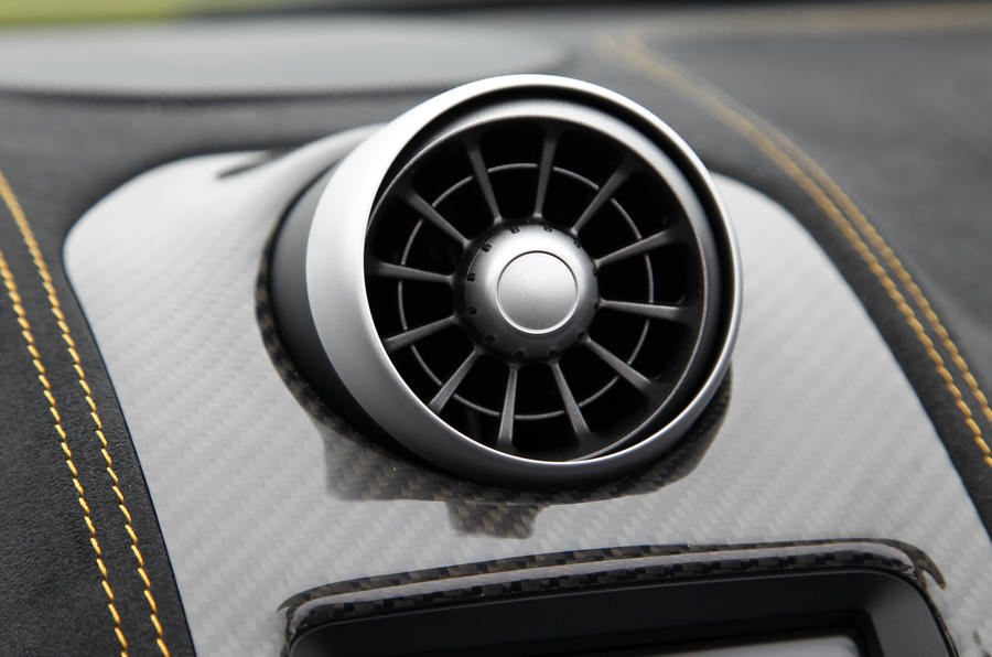 McLaren 650S Spider air vent