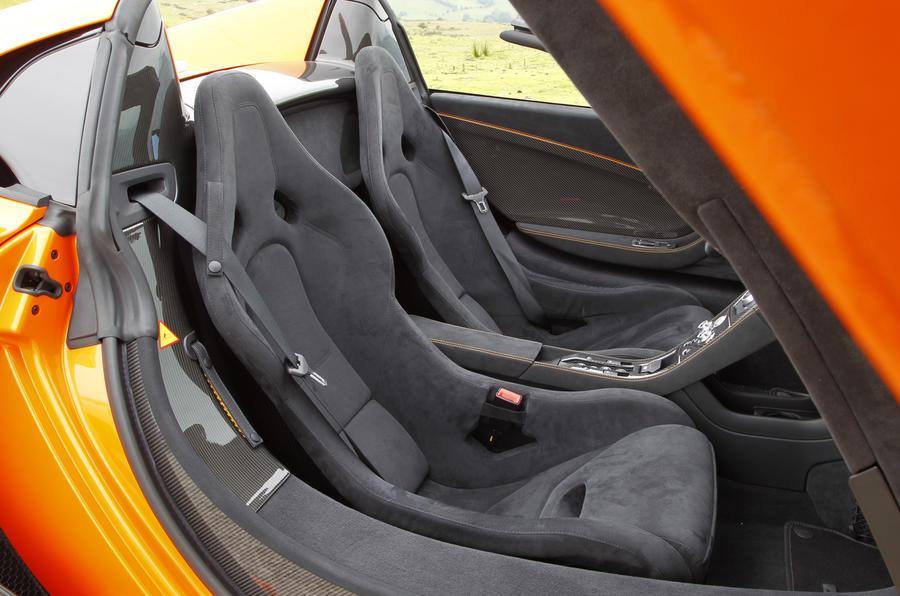 McLaren 650S Spider sport seats