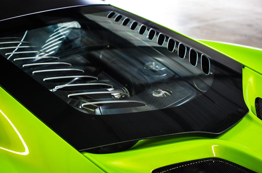 McLaren 675 LT engine bay