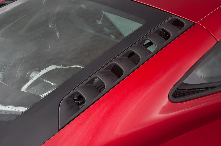 McLaren 12C rear window vents