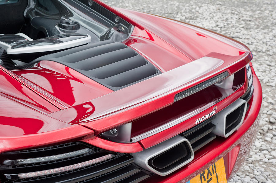 McLaren 12C movable rear wing