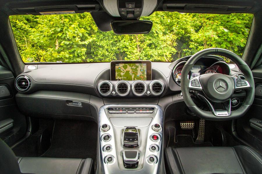 Mercedes-AMG GT dashboard