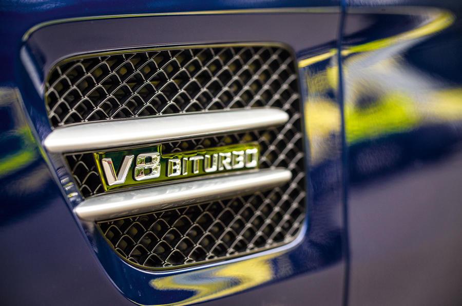 Mercedes-AMG V8 Biturbo badging