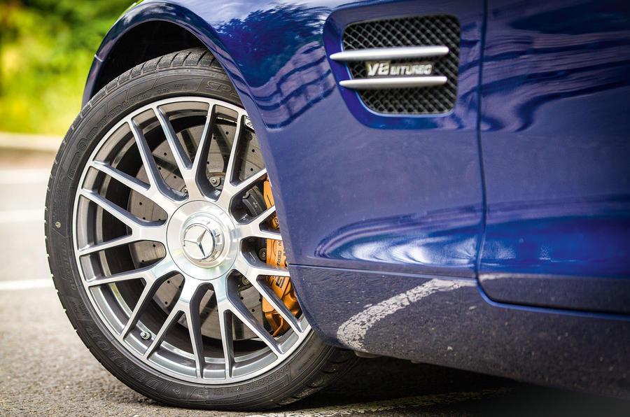 Mercedes-AMG GT 19in alloy wheels