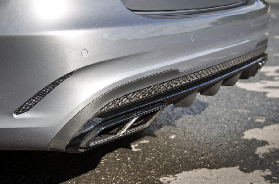 Mercedes-AMG E 63 quad exhausts