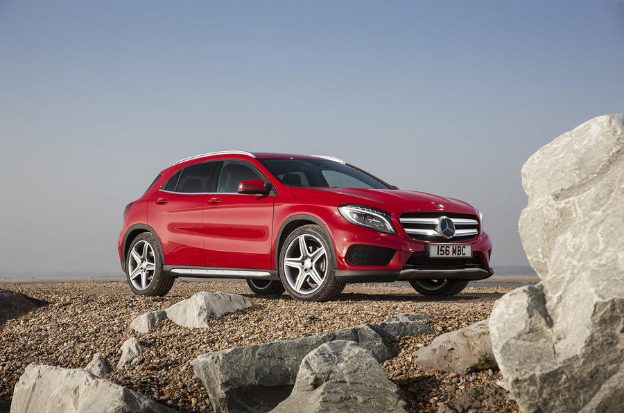 mercedes benz gla250 4matic amg line uk first drive. Black Bedroom Furniture Sets. Home Design Ideas