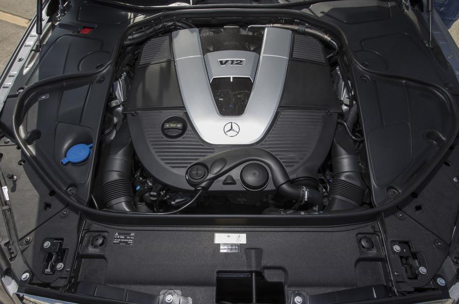 Mercedes-Maybach S 600 V12 engine