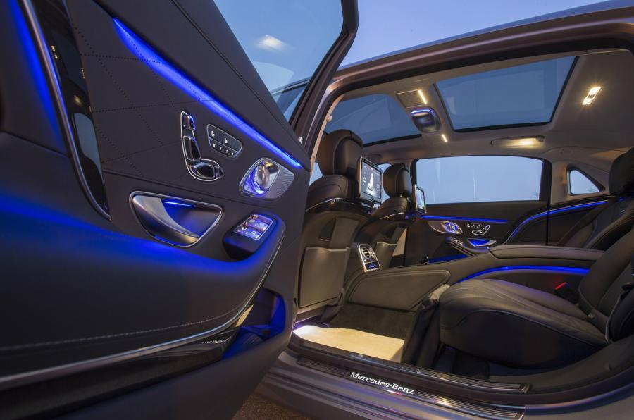 Mercedes-Maybach S 600 panoramic sunroof