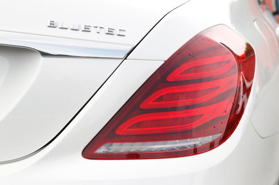 Mercedes-Benz S-Class rear lights