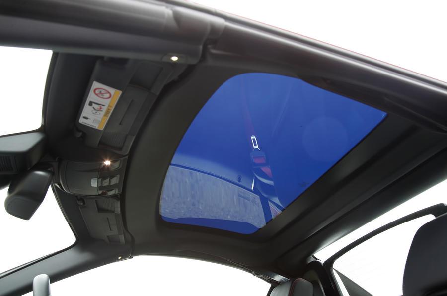 Mercedes-AMG SLC 43 magic sunroof