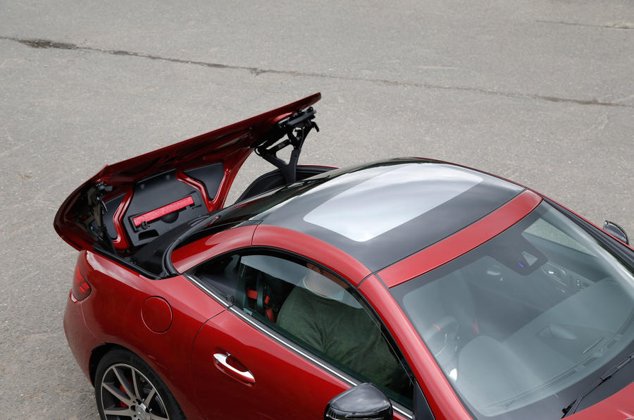 Mercedes-AMG SLC 43 roof opening