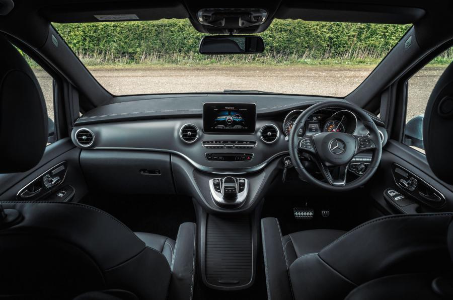 Mercedes-Benz V-Class dashboard