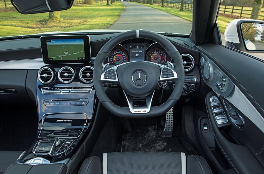 Mercedes-AMG C 63 Cabriolet dashboard