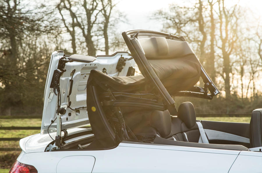 Mercedes-AMG C 63 Cabriolet folding roof