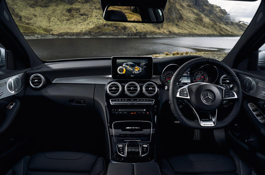 Mercedes-AMG C 63 dashboard