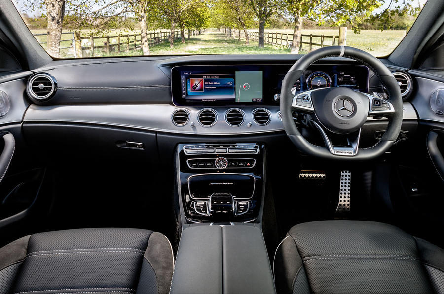 Mercedes-AMG E 63 dashboard