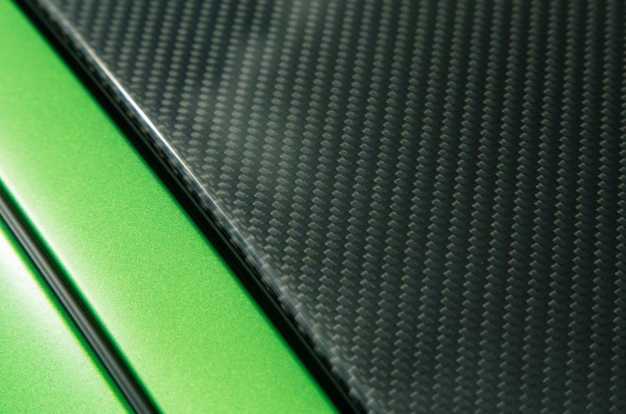 Mercedes-AMG GT R carbonfibre roof