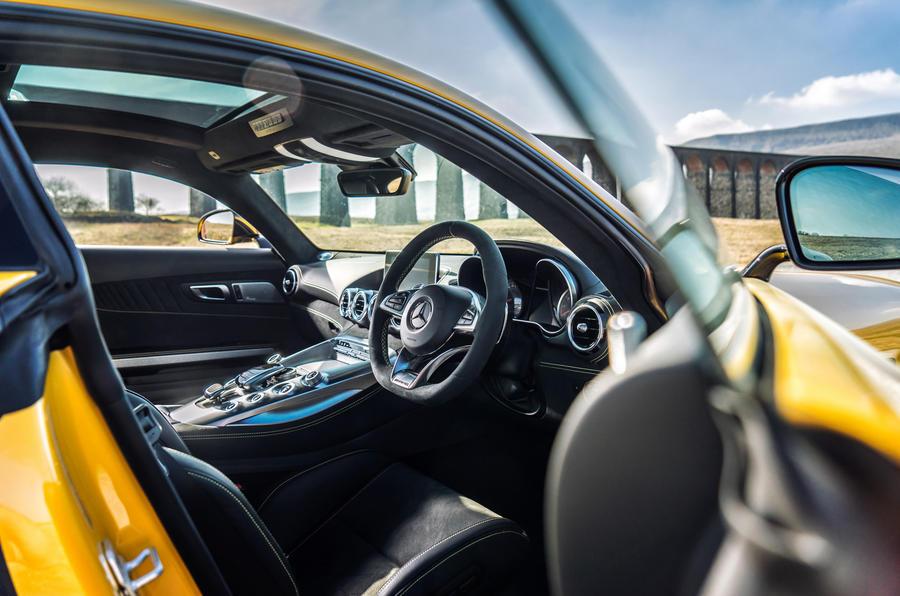 Mercedes-AMG GT S interior