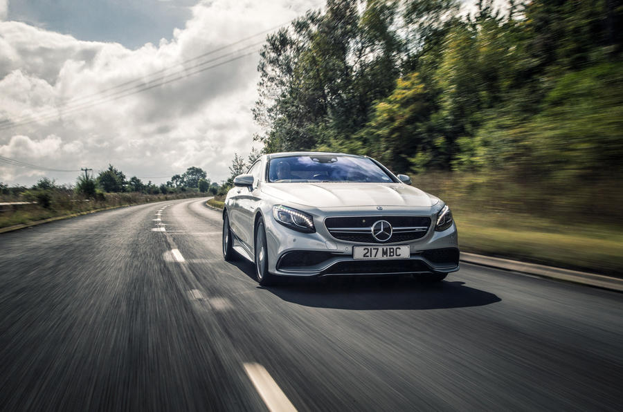 Mercedes-AMG S 63 Coupé cornering