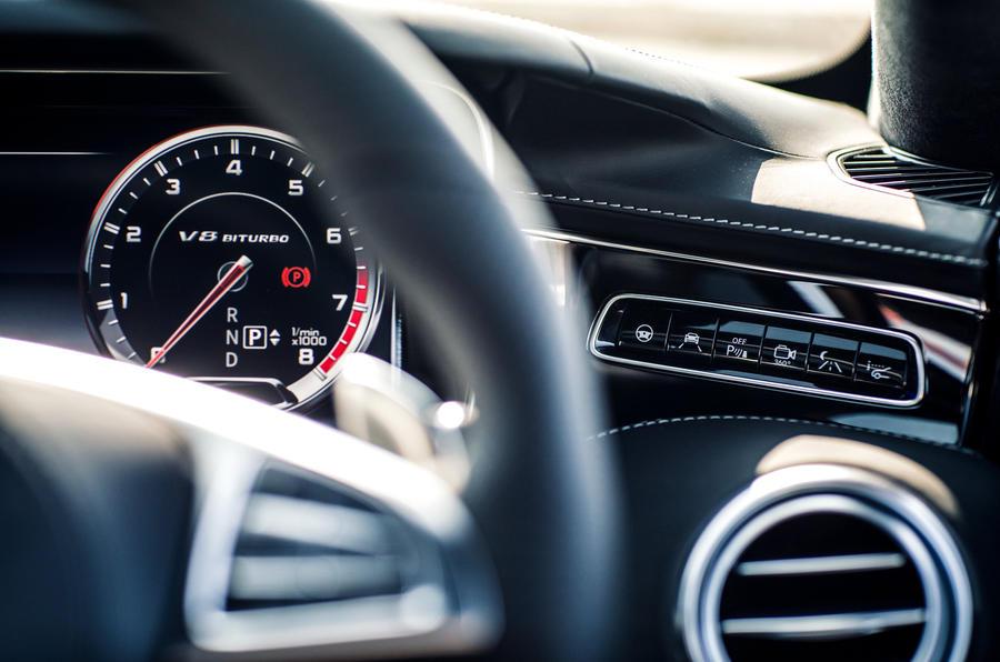 Mercedes-AMG S 63 Coupé switchgear