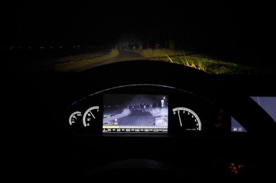 Merc's new night vision tech
