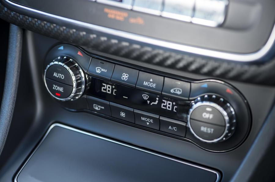 Mercedes-Benz A-Class climate controls