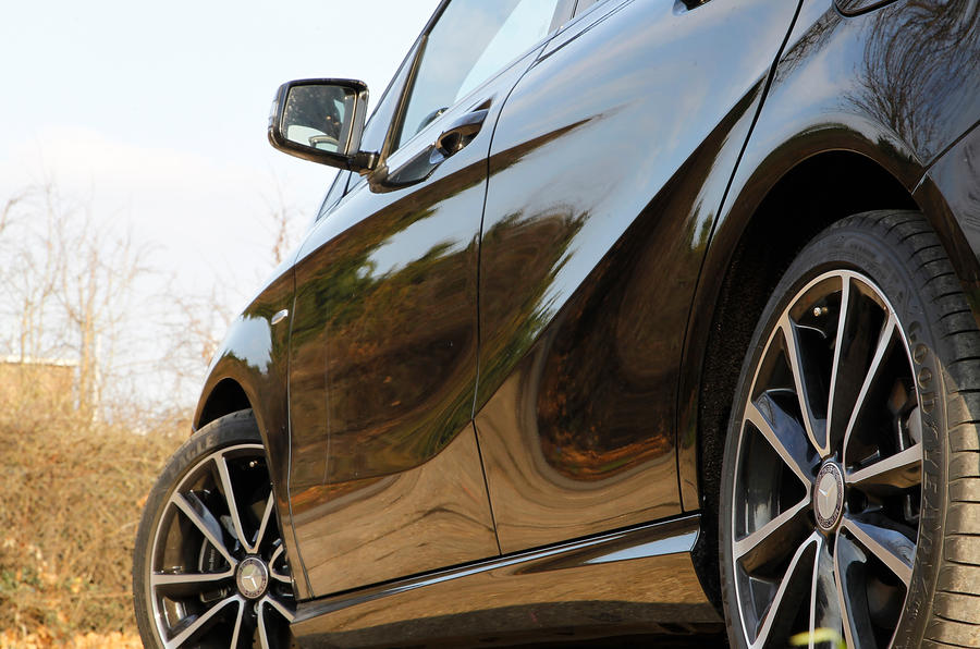 Mercedes-Benz B-Class body line