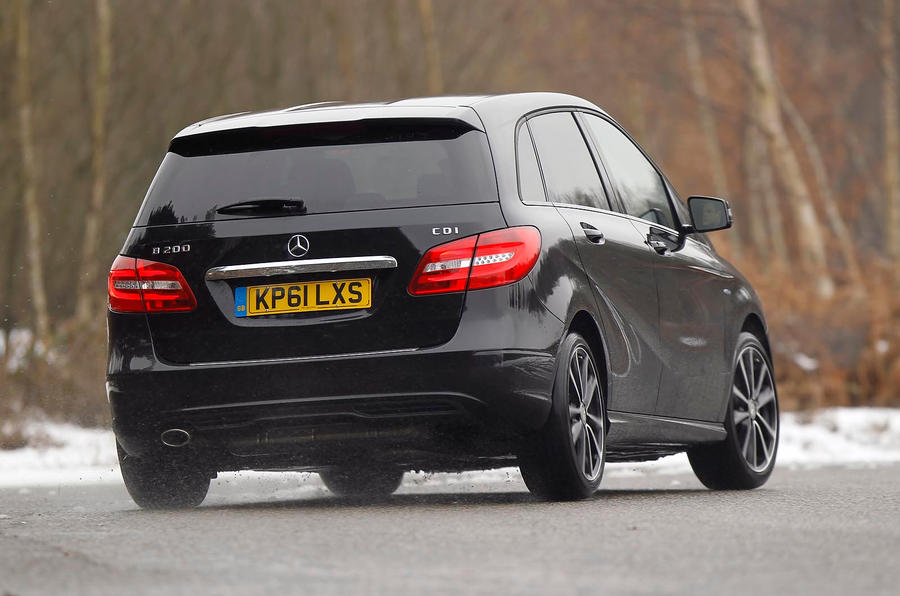 Mercedes-Benz B-Class rear cornering