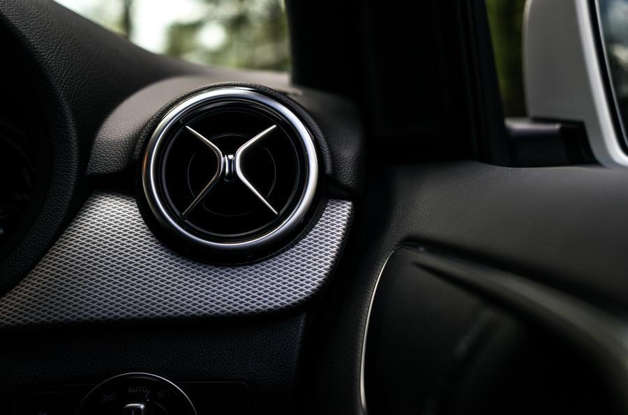 Mercedes-Benz B-Class air vent