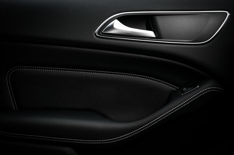 Mercedes-Benz B-Class door card