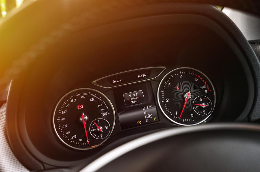 Mercedes-Benz B-Class instrument cluster