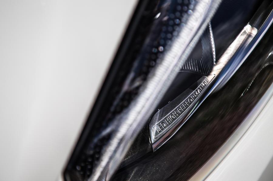 Mercedes-Benz B-Class LED headlights