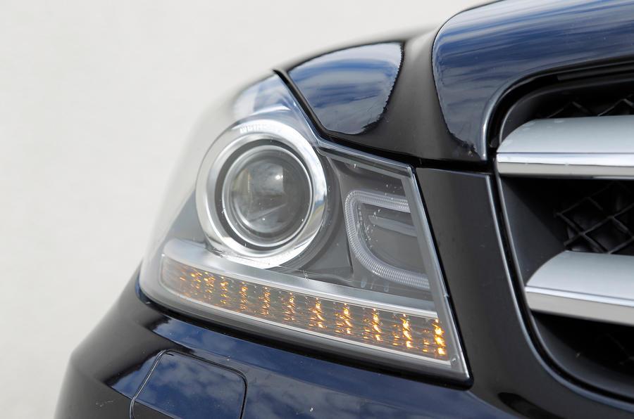 Mercedes-Benz C-Class Coupé xenon headlight