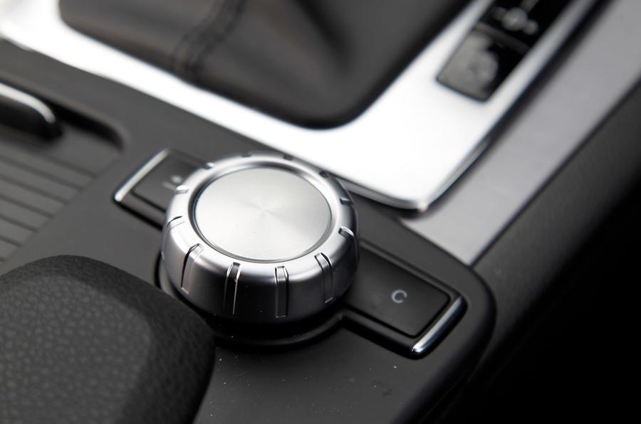 Mercedes-Benz C-Class Coupé infotainment controller
